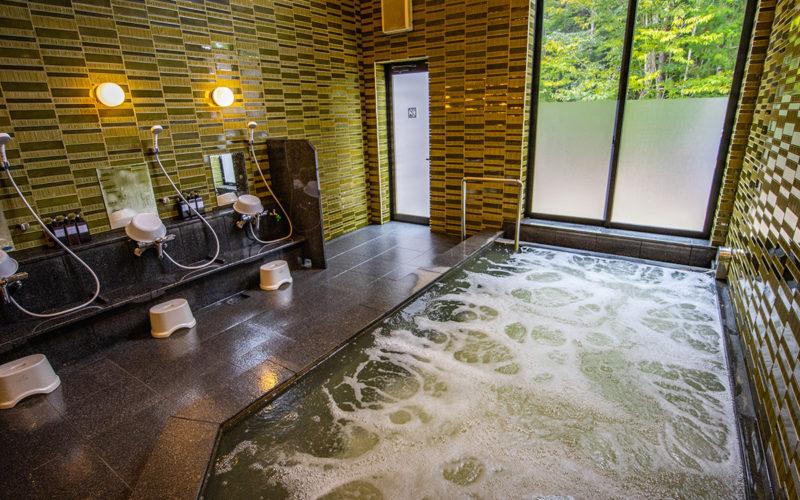 信楽キャンプ北欧ハウスのお風呂02